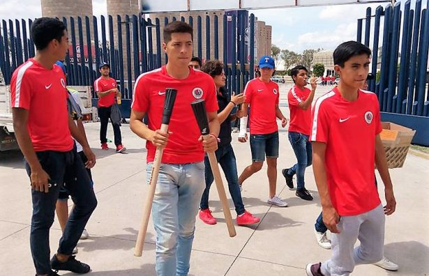 Parte camión a Oaxaca y Morelos con víveres para damnificados
