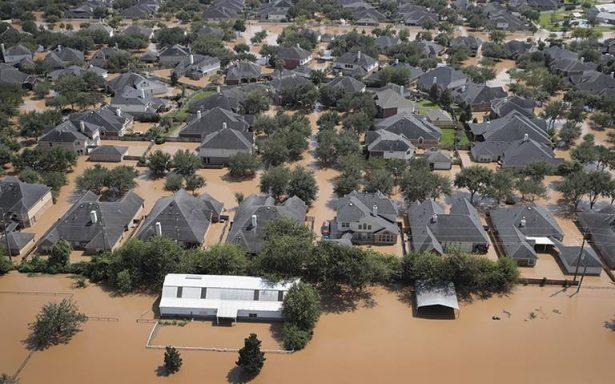 Buscan evitar escasez de combustible tras el paso de la tormenta Harvey