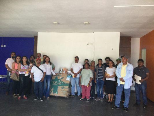 Distribuye Consejo Ciudadano 44 mil pesos en apoyos con la dieta del diputado Jano Segovia