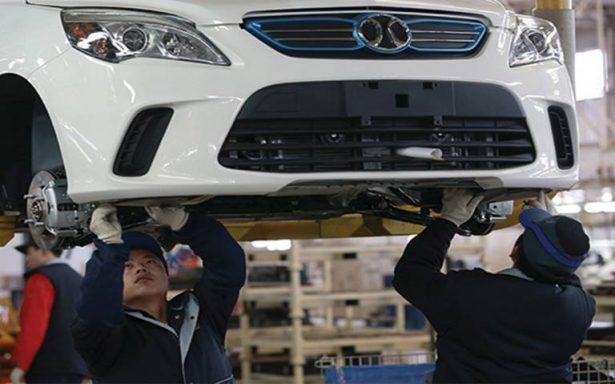 La industria automotriz paga entre los 200 y 500 pesos diarios