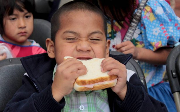 Reactiva DIF entrega de desayunos escolares
