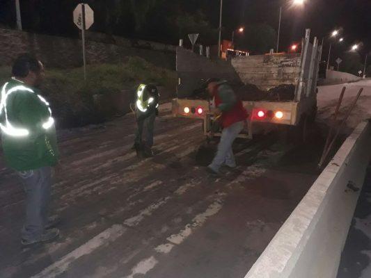 Realizan trabajos de desazolve en el Río Españita