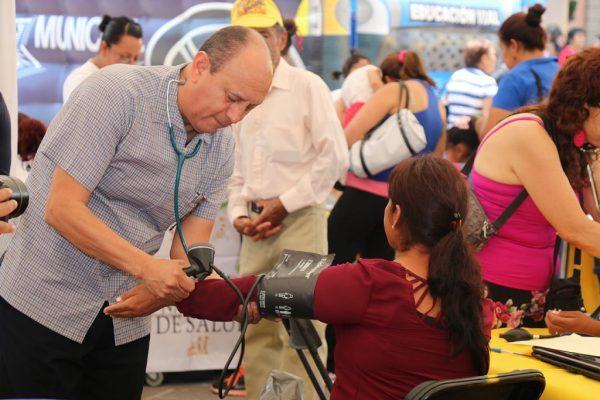 """Más de 2 mil beneficiados con """"DIF en tu Colonia"""""""