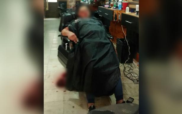 Ejecutan a dos en barbería de Pavón