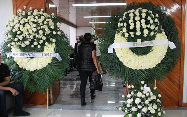 Familiares dan último adiós a Mara Castilla, en Veracruz