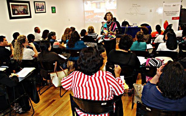 """Imparten diplomado """"Cultura laboral e igualdad entre mujeres y hombres"""""""