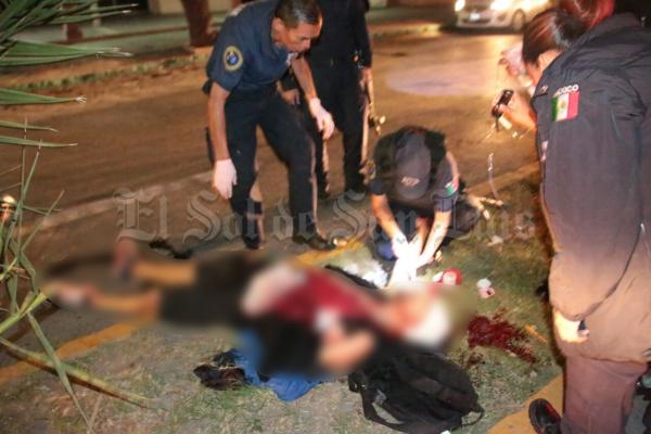 Joven es brutalmente golpeado fuera de un antro