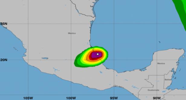 Katia pierde fuerza y se degrada a depresión tropical en Puebla