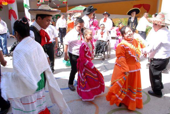 Festejan en Centro Comunitario Maravillas el 15 de Septiembre