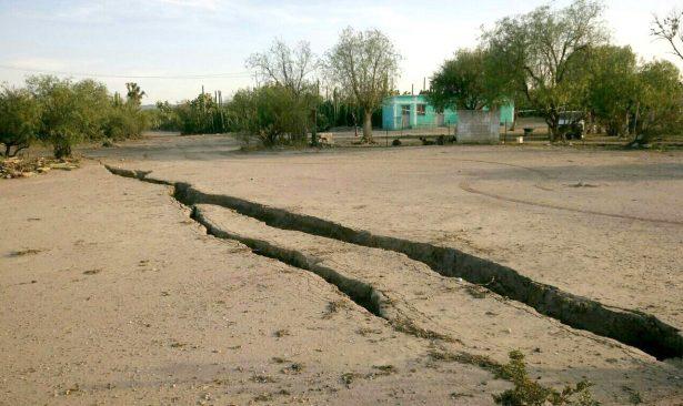Reubican familias por fallas geológicas en Delegación de Bocas