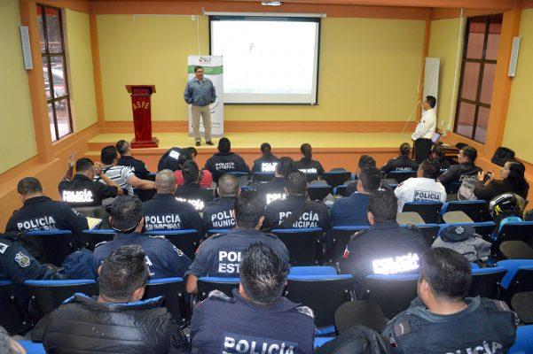 Capacitan a Policías en Derechos Humanos