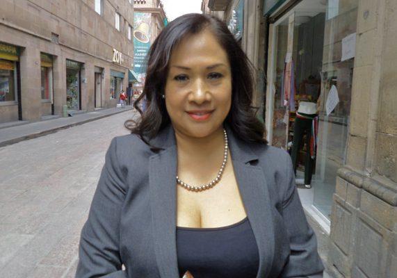 """Sonia Mendoza """"levanta la mano"""" por la alcaldía de SLP"""