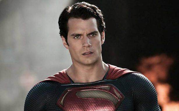 """Superman anuncia que """"rescatará"""" a víctimas por sismo en México"""