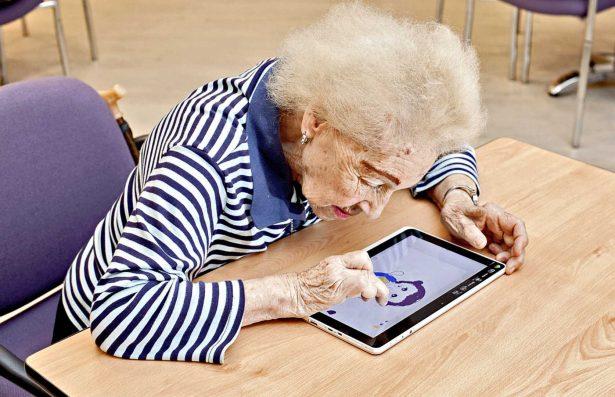 Propone diputado que adultos  acedan a nuevas tecnologías