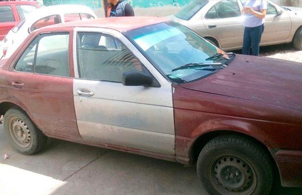 Recuperan automóvil con reporte de robo en la avenida Valentín Amador