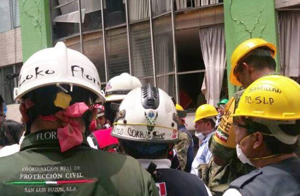 Brigada Metropolitana de PC atiende heridos en la delegación Benito Juárez de la CDMX