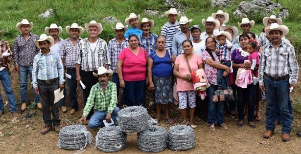 Gobierno de Aquismon cumple con el compromiso de apoyar al campo