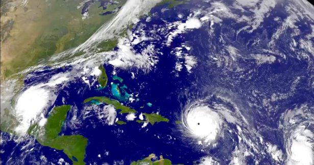 Alerta máxima por huracanes