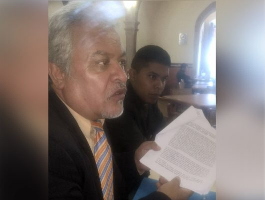 Interponen juicio contra contralora de la ASE