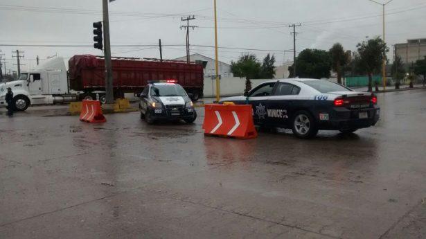 Caos vial por lluvias en SLP