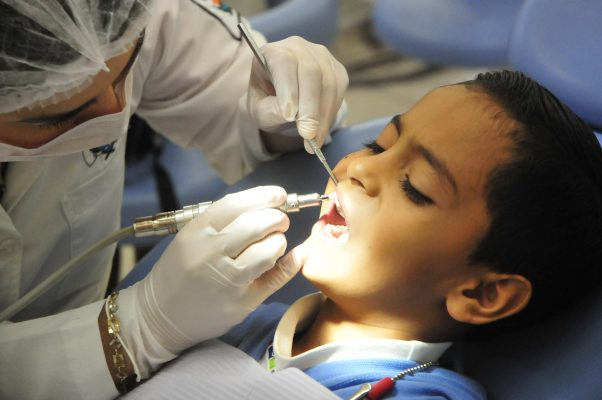 Autotrasplante, innovadora opción para conservar dientes
