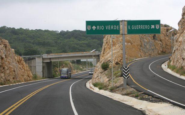 Exigen diputados a COINSAN repare supercarretera a Rioverde