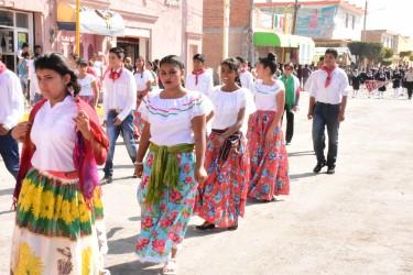 Pletórico desfile en Soledad