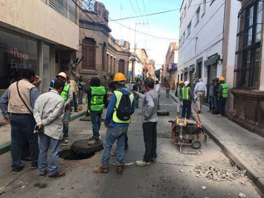 Inician obras en calle 5 de mayo