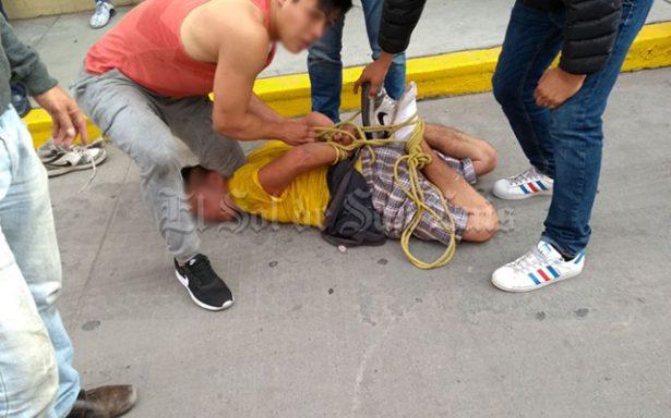 """Ciudadanos amarran a joven por """"ladrón"""""""