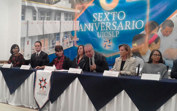 Conmemora la Intercultural su sexto  aniversario con dos mil estudiantes