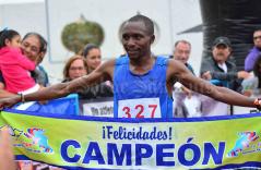 Kenianos triunfan en la carrera del Club Libanés Potosino