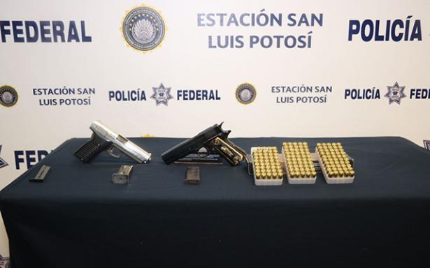 Detenido por transportar dos armas de fuego
