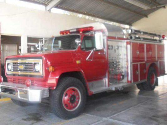 Realizan entrega física a bomberos recurso recaudado en colecta de redondeo