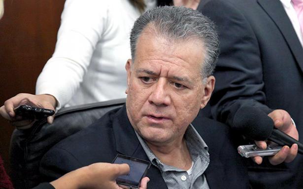 Diputados respaldan a Chávez; desmienten inconformidad interna