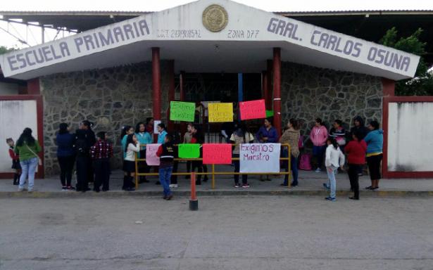 Cierran escuela del Naranjo por falta de maestros