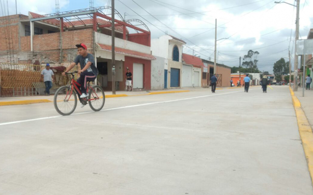 Inauguran calle pavimentada en San Felipe