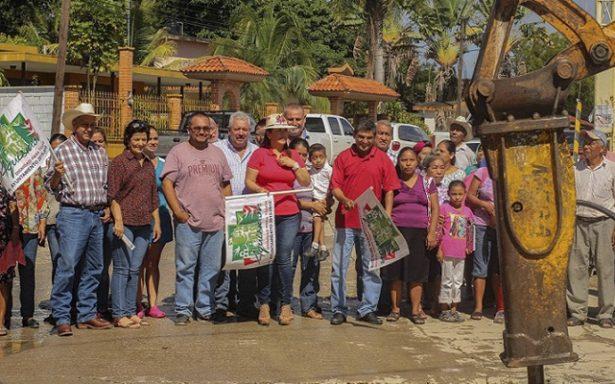 Con apoyo del estado inicia rehabilitación de carretera a Tancuime