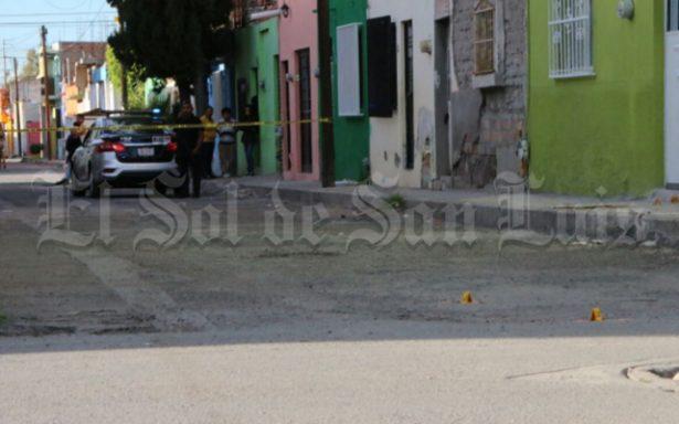 Ejecutan a policía estatal con ráfagas de metralleta en la Julián Carrillo