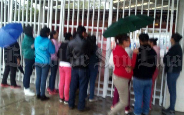 Denuncian maestra violenta  de la escuela Vicente Guerrero