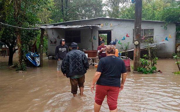 Devastan lluvias la Huasteca
