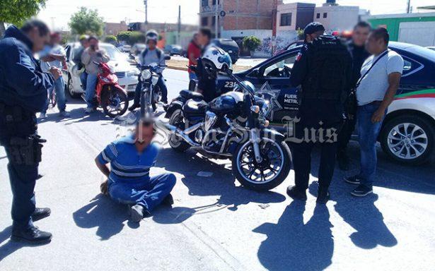 Amarran y golpean a hombre que intentó robar una bicicleta