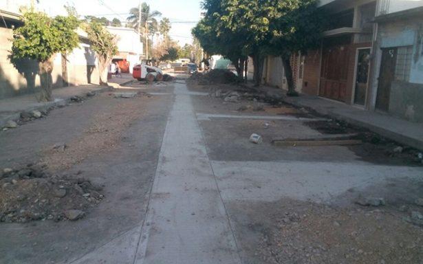Avanza obra de rehabilitación de drenaje en calle Comonfort