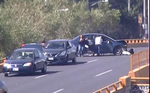 Chocan tres vehículos en la Salvador Nava