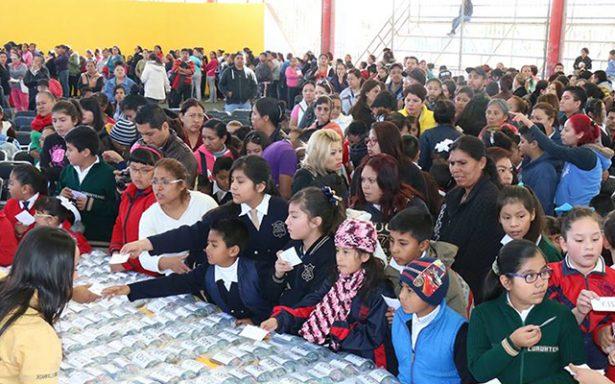 Buscan involucrar a familiares en proyectos escolares de sus hijos