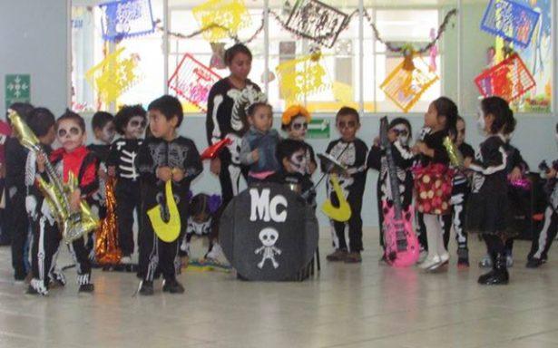 Escuelas preservan la tradición del Día de Muertos