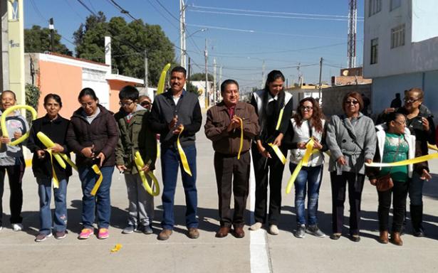 Inauguran calle pavimentada en colonia San José