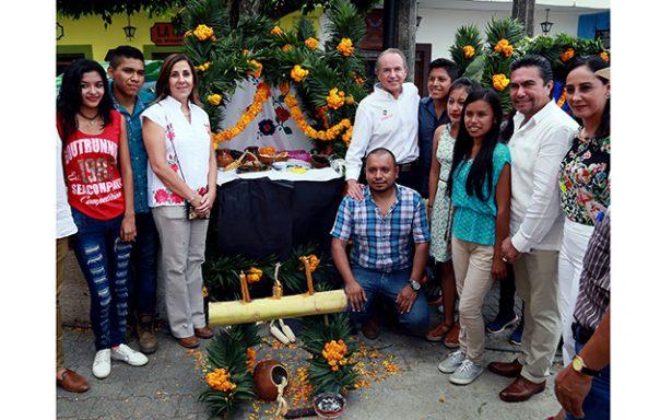 """JMCL asiste a celebración del """"Xantolo"""" en la Huasteca"""