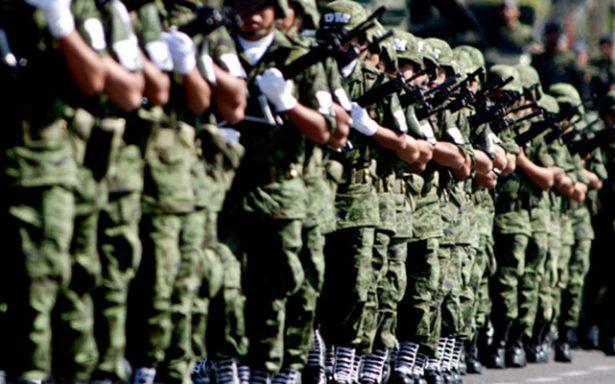 Se alistan jóvenes para ingresar a planteles militares