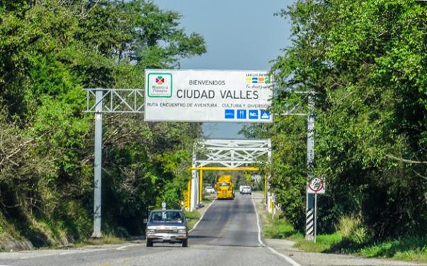 Construcción de carretera valles Tamazunchale activaría trabajo