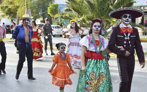 """En ambiente festivo se lleva a cabo el """"Desfile municipal de día de muertos"""""""